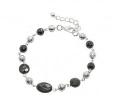 Black Onyx Loop Bracelet